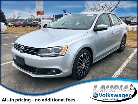 Certified Pre-Owned 2014 Volkswagen Jetta 2.0 TDI Highline - 0% Financing available!