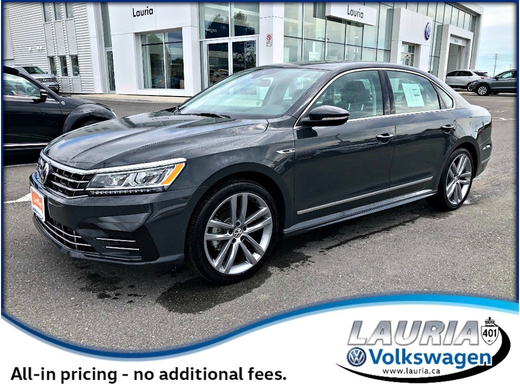 Certified Pre-Owned 2017 Volkswagen Passat 1.8 TSI Highline R-Line - Only 423 kms!!
