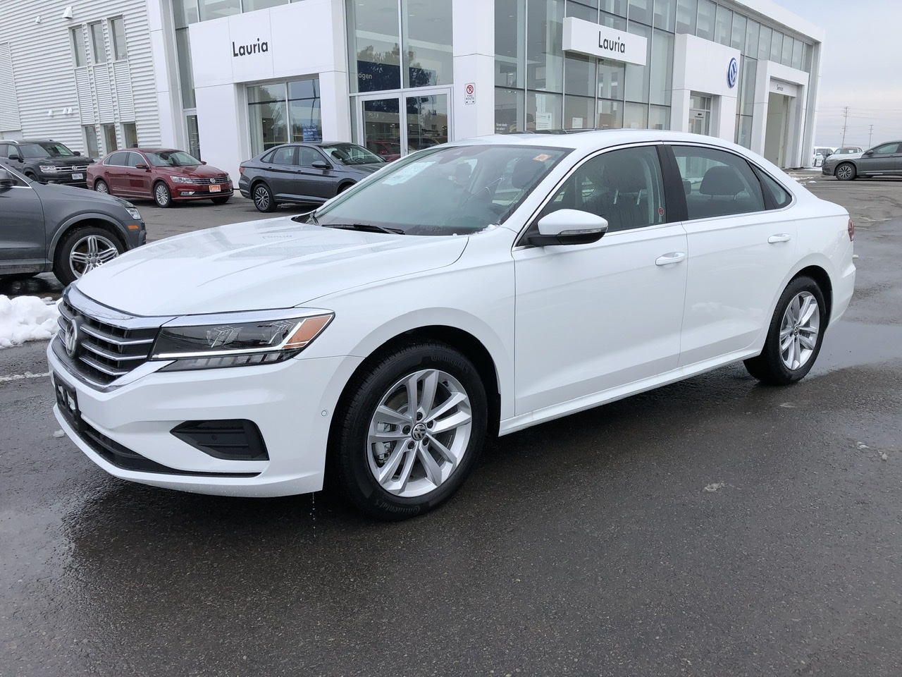 New 2020 Volkswagen Passat 2.0T Highline Auto