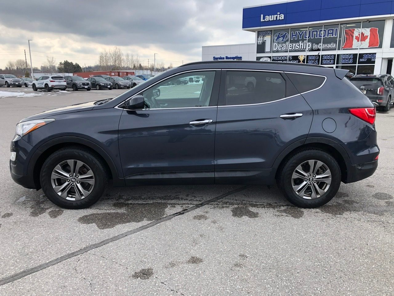 Pre-Owned 2013 Hyundai Santa Fe 2.4L AWD Premium - LOW KMS